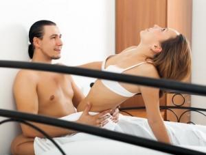Finde geilen Sex mit jungen Frauen